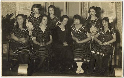 UNUSUAL WOMEN in NEAR IDENTICAL DRESSES w DOLLS in STRANGE GROUP PORTRAIT