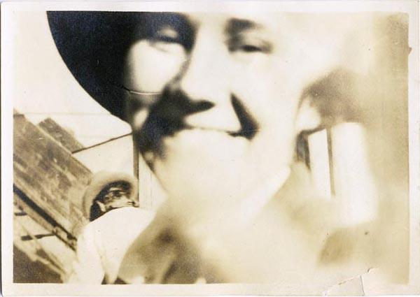 fp2090 (Blur-Woman-Hat)