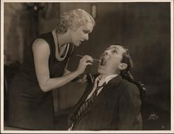 fp4212(White_PF_Theatrical_Boy&Woman_CueTip_Teeth_Dentist_MouthInjury)