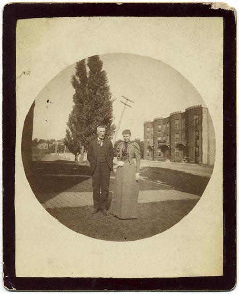 fp1445 (couple w askew telephone pole)