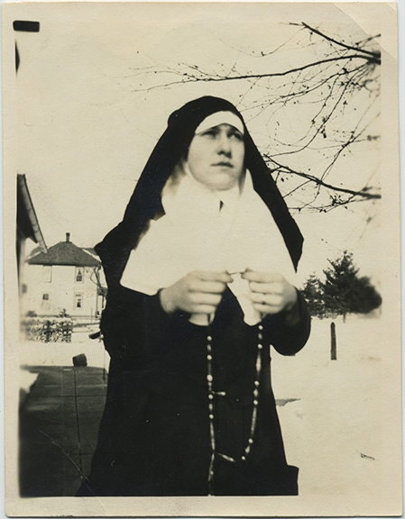 fpUncat(Nun-Rosary)
