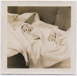 fp3218(Baby_Sleeping_PaperGoggles)