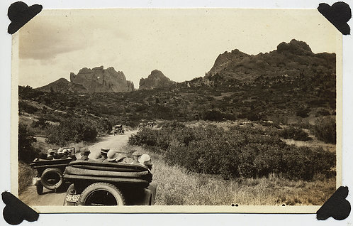 WONDERFUL MULTI-VINTAGE CAR EXPEDITION PAYS VISIT to GARDEN of the GODS