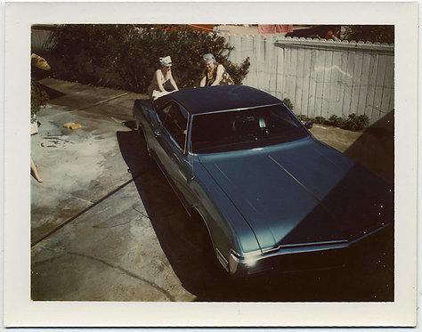 WOMEN in BATHING SUITS WASHING COOL BLUE VINTAGE CAR BACK YARD POLAROID