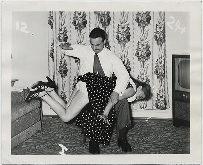 fp5641(Man&Woman_Spanking_Naughty_OverKnee)