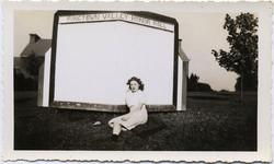 fp1609 (Girl & Empty Honor Roll)
