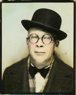 fp0789 (man in bowler hat)