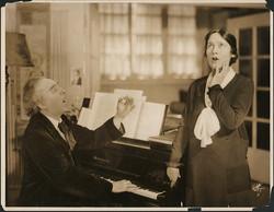 fp4222(White_PF_Theatrical_Piano_SingingLesson)