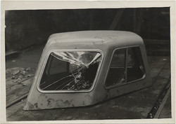 fp6145(CarRoof_DetachableHardtop_BrokenGlass)