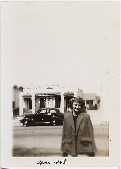 April '48 WOMAN in FASHIONABLE JACKET on STREET w VINTAGE CAR LENS DISTORTION