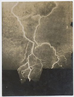 fp3492(LightningStrike_Rooftops)