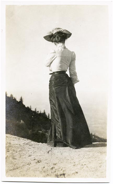 fp2027 (Woman-Back-Vista)