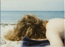 fp6102(Woman_Sunbathing_Beach)