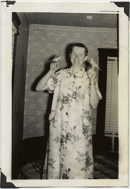 SMILING WOMAN in FLORAL HOUSEDRESS w TWO CUTE PARAKEETS on FINGERS
