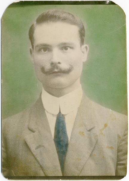 fp2116 (Mustache-Man-Tinted)