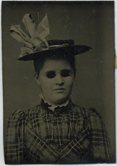 fp2483(TT_Blind-Woman)