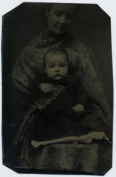fp2872(TT_Woman_Baby-tinted)