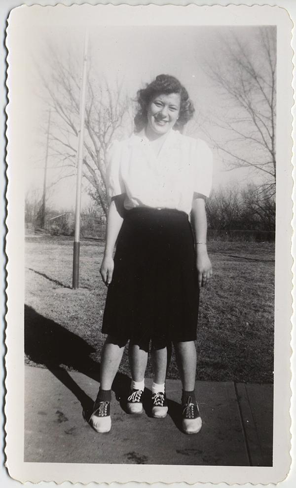 fp10300(Trick-Woman-Saddle-Shoes-4-Legs)