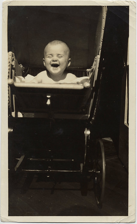 DELIRIOUSLY DELIGHTFUL HAPPY LAUGHING BABY in CARRIAGE! AWESOME