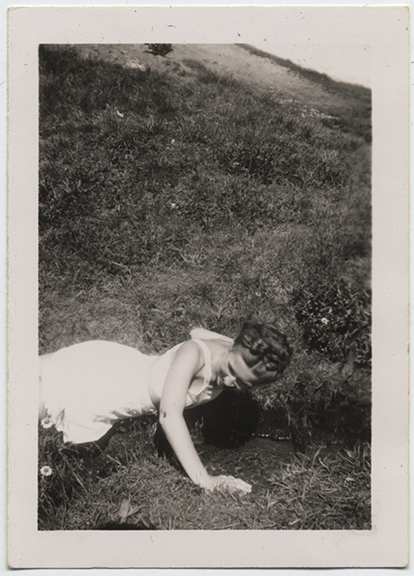fp4837(Woman_Crawling_Hillside)