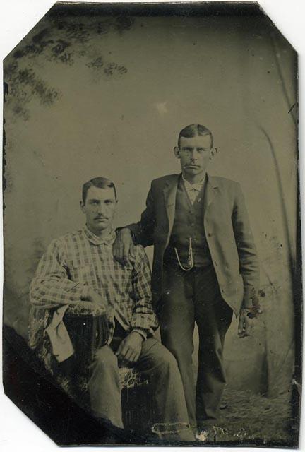 fp1117 (TT man & hunchback brother)
