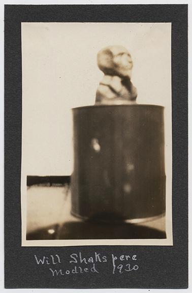fp2732(Bust_Pedestal_SoftFocus)