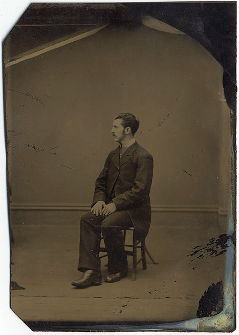 WONDERFUL STARK MODERNIST SIMPLE TINTYPE PROFILE PORTRAIT SEATED MAN in STUDIO