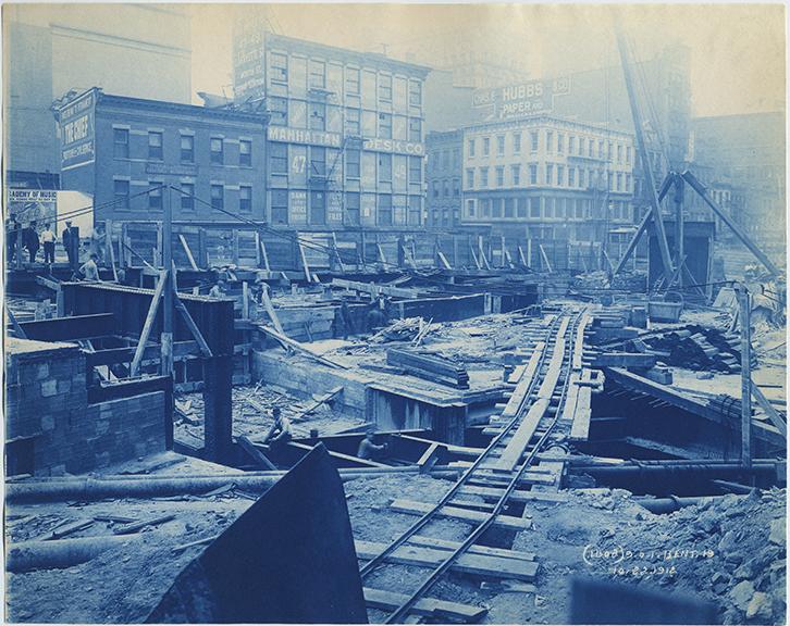 fp2494(IND-CY_TrainTrack_NewYorkCity_ConstructionWork_ManhattanDeskCo)