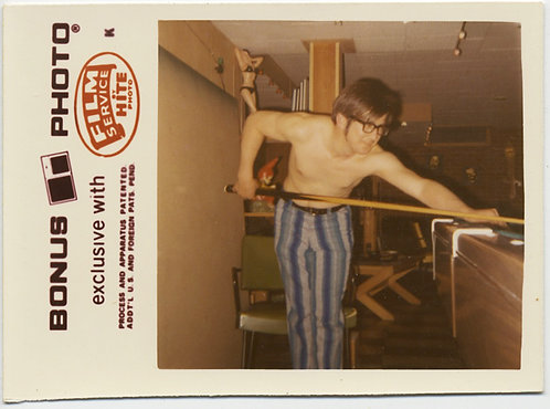 BONUS PHOTO SEXY SHIRTLESS NERDY GUY SHOOTS POOL in AWESOME 70s PSYCHEDLIC PANTS