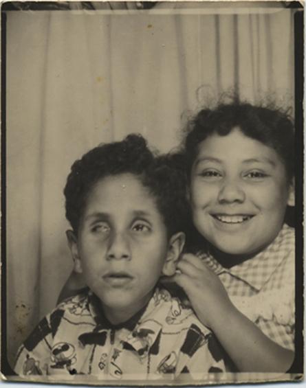fp5512(PB_Brother&Sister_Ethnic_LazyEye)