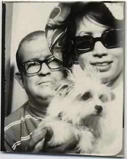 fp1906 (PB-Couple-Dog)
