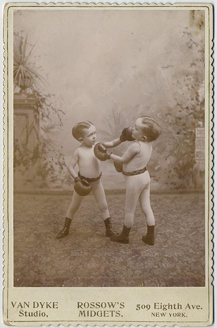 fp5797(CC_VanDykeStudio_Rossow'sMidgets_Boxing_Circus)