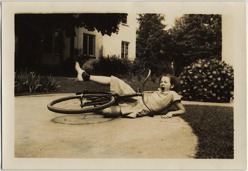 fp10353(Girl-Falls-Bike)