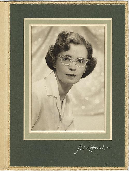 SUPER LOVELY FOLDER STUDIO PORTRAIT of HANDSOME WOMAN w FUNKY GLASSES 1953