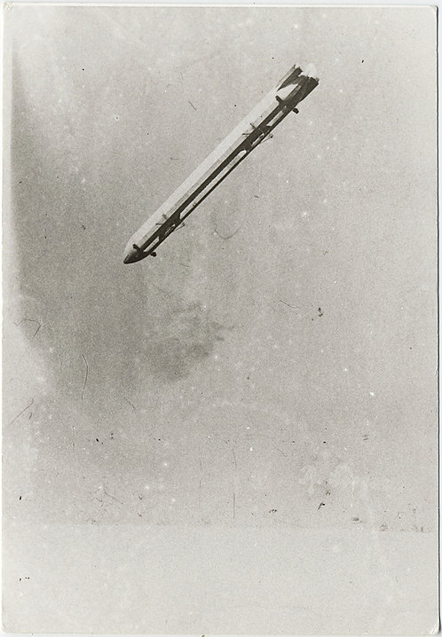 UNUSUAL ZEPPELIN HINDENBERG BLIMP DIRIGIBLE SEEN from BELOW (80s reprint)