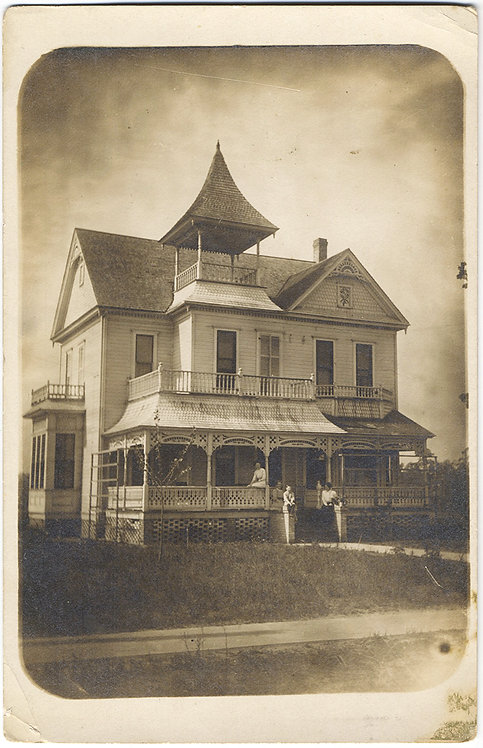 EXQUISITE RPPC of VICTORIAN HOME TURRET FAMILY POSED on PORCH