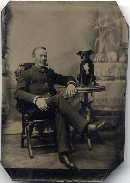 fp1578 (man and dog on table)
