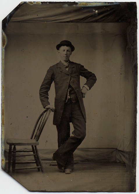 TERRIFIC TINTYPE DAPPER  MAN in STUDIO BACKDROP VISIBLECONFIDENT