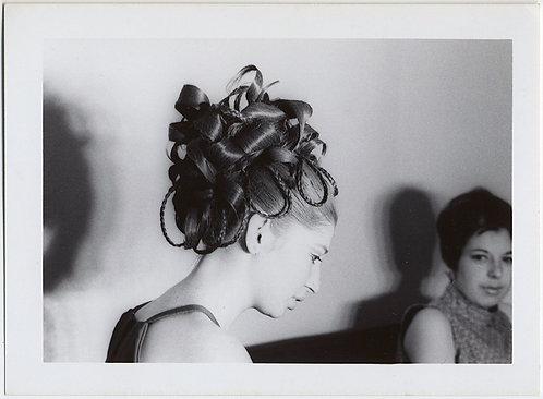 STUNNING HAIRDO WOMAN w EXTRAORDINARY CURLS & PLAITS GRADUATION 1969