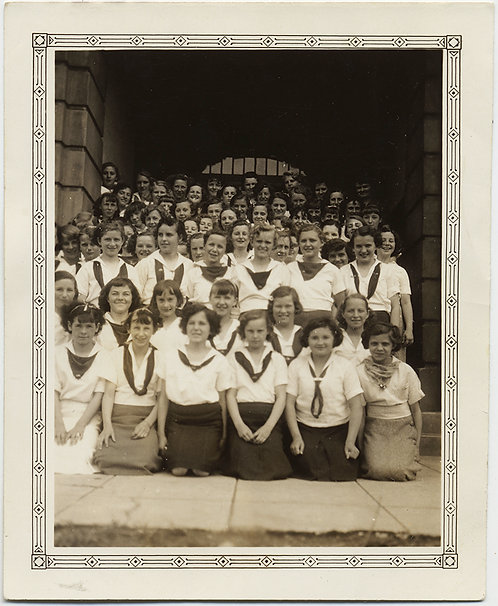 WONDERFUL GROUP PHOTO of CLASS of YOUNG SCHOOL GIRLS CAMPFIRE GIRLS?