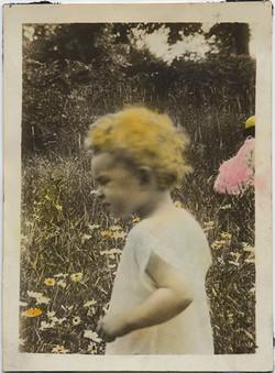 fp6658(BabyInField_TintedOrangeHair)
