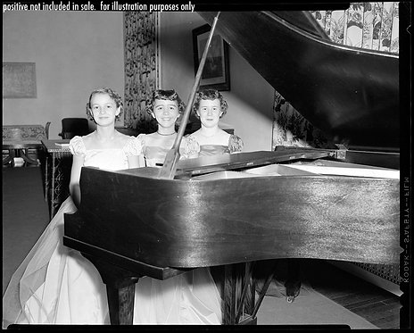 PRESS NEGATIVE THREE YOUNG PRETTY WOMEN at GRAND PIANO PROM DRESS RECITAL