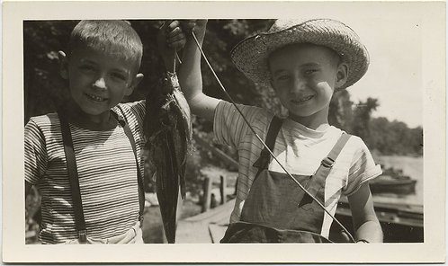 SWEET ADORABLE YOUNG BOYS FISHING HOLD UP FISH CATCH HUCK FINN-ish