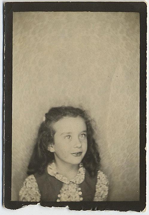 ADORABLE BIG-EYED LITTLE GIRL in WONDERFUL PHOTOBOOTH!