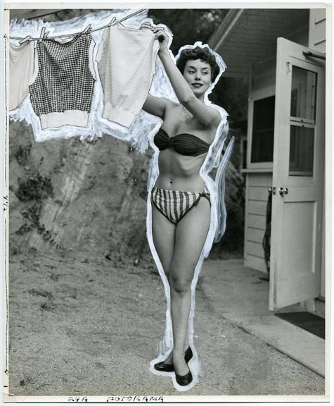 fp1548 (bikini woman hangs out  washing)