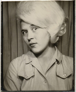 fp0773 (woman w blonde wig)