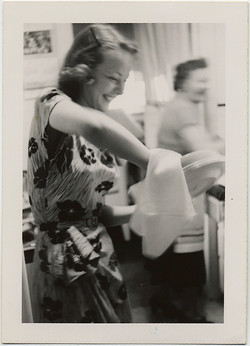 fp8954(Woman-Doing-Dishes)