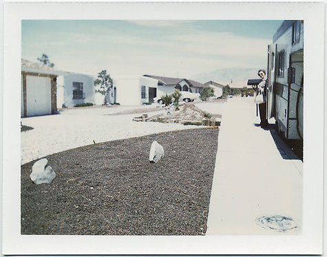 """Pebbles instead of grass"" LONELY RV WOMAN peeks out on New Mexico (Albuquerque)"