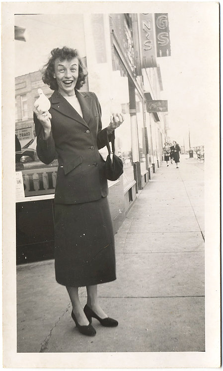 DELIGHTFUL ECSTATICALLY LAUGHING WOMAN on STREET w PURSE & WHITE PIGEON? in HAND