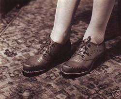 fp0026(shoesoncarpet)